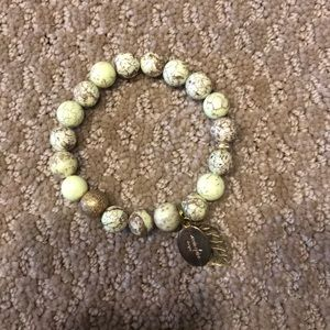Green/ Gold bead bracelet with gold leaf
